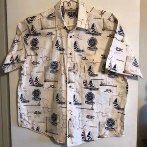 Men's Munsingwear buttoned down shirt.